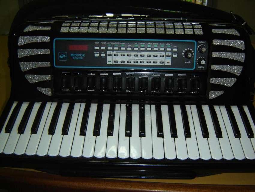 ACORDEON EXCELSIOR 120 EN 4TA Y 5TA, CON MIDI AFINADO EXCELENTE 0