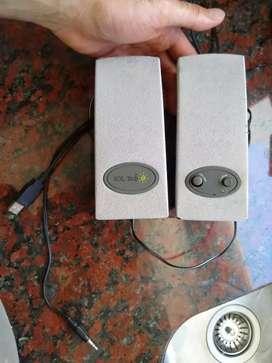 PARLANTES PUERTO USB