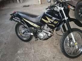 Vendo linda moto