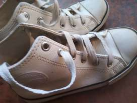 Vendo zapatillas yaguar