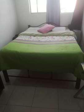 Se vende linda cama tubular doble en perfecto estado