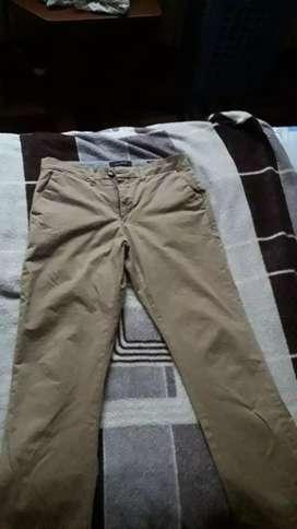 Pantalon BASEMENT