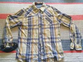 Vendo Hermosa Camisa BERSHKA ORIGINAL