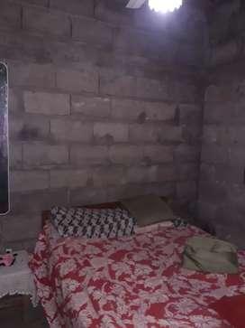 Linda casa  esquina con 3 habitaciones un living  tranquilos el barrio.. hasta 1000000 aceptó