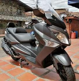 SYM Joymax 300 scooter