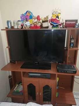 "Vendo Mesa Tv 32"" motivos económicos"
