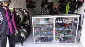 Vendo negocio de accesorios y repuestos para moto