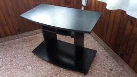 Mesa para tv y mesa ratona