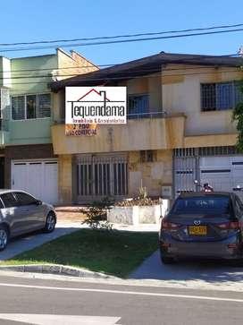 957745 SE ARRIENDA CASA EN LOS COLORES PARA OFICINA