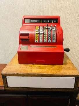 Caja registradora antigua funciona