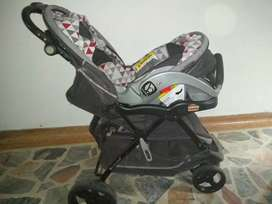 Coche de bebe + silla para el auto + corral