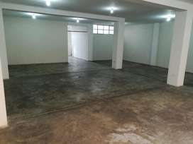 Alquilo Local Comercial 2do Piso 142m2
