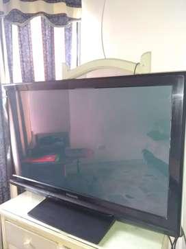 "TV Panasonic 42"" plasma (no smartv)"
