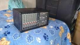 Amplificador  phonic 740