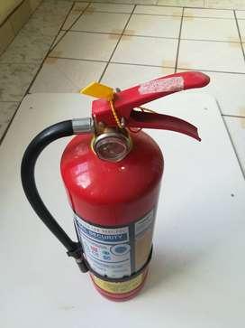 Extintor de polvo químico seco, 10 libras, para oficina o negocio.