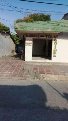 Vendo Local - patio 240 mts.