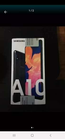 Vendo Samsung galaxy A 10 con caja nueva