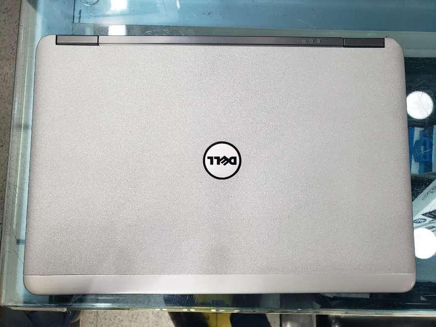 Espectacular Dell Latitude E7240 corporativo