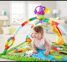 Gimnasio Fisher price tucan