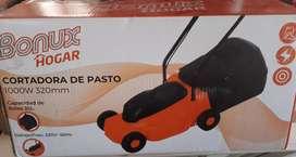 Maquina de Cortar Cesped Pasto, Nueva!