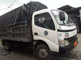 VENDO: Camión Hino