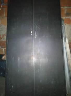 vendo puerta para closet en lámina muy fina