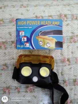 Mini linterna led muy potente luz amarilla lleva 3 pilas triple A