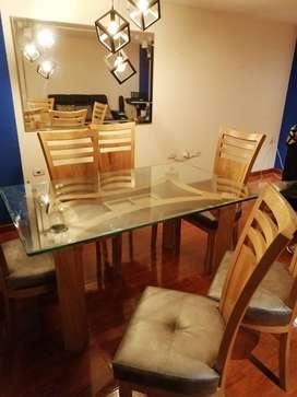 Se vende comedor, espejo, lámpara y sofa