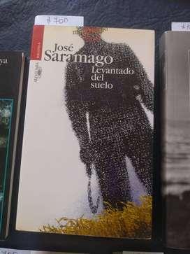 Levantado del suerlo. José Saramago