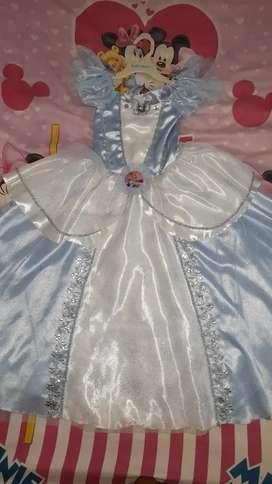 Disfraz Cenicienta  Talla 4 Incluye accesorios