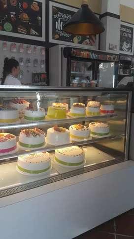 Necesito pastelería o pastelero con amplia experiencia.. actualizado e innovador para trabajar en yopal casanare