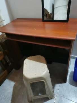 Venta de escritorio/Espejo y silla