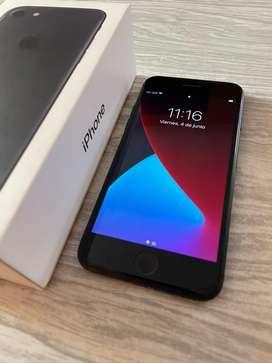 Iphone 7, 32 GB, con caja y cargador de tienda