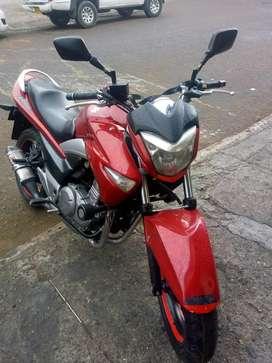 Se vende moto barata