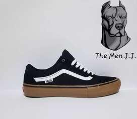 Zapatilla Vans Old Skool Pro // The Men J.J.