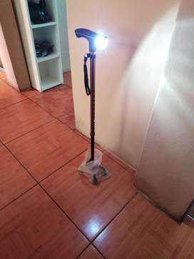 Baston con Luz de Cuatro Patita Y Es Reg