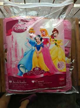 Vendo acolchado original de princesas