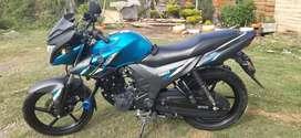 Vendo moto szr modelo 2020 con todo al día única dueña
