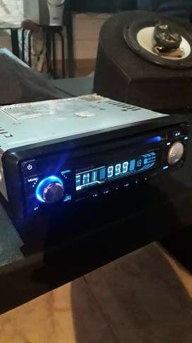 Vendo estereo philco con radio y usb, unico detalle no anda los cd