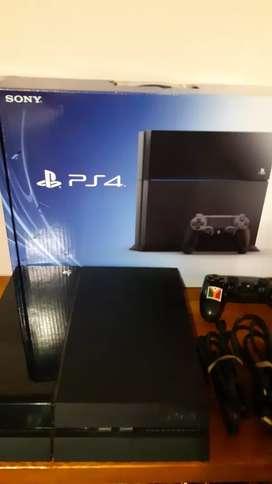 PlayStation PS4 500 Gb + joystick original