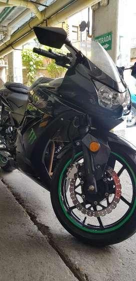 Kawasaki Ninja 250 2012 con Solo 18000millas