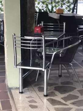 Mesas para cafetería panaderia o restaurante en acero