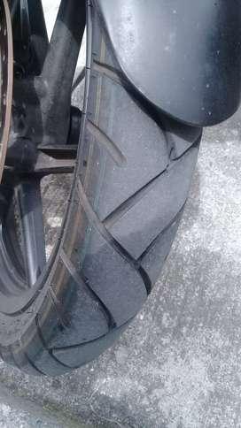 Se vende moto pulsar UG 180 Modelo 2014 placas de armenia
