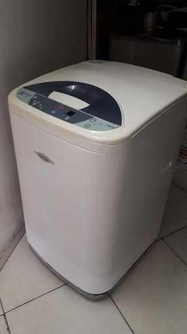 Lavadora digital Haceb 18 libras usada en buen estado