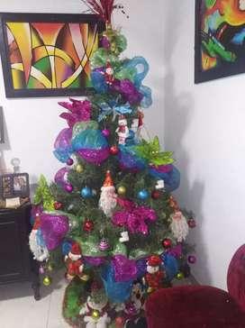 Árbol navidad de dos metros con todo lo que ves