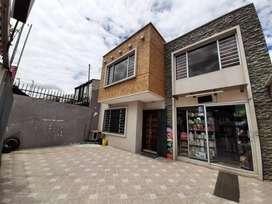 En venta Casa con acabados de Lujo - Totoracocha