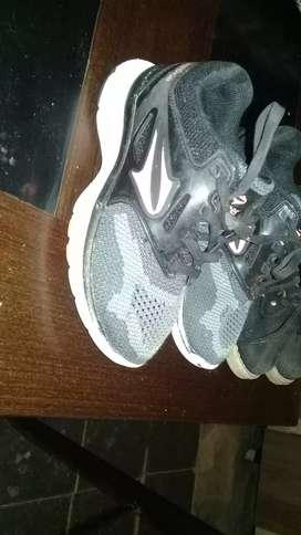 Zapatillas t 25