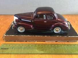 Chevrolet Coupe 1938 (Auto a escala 1:24)