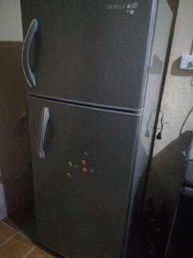 Refrigeradora Dures Funcionando