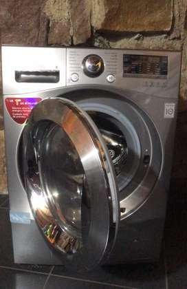 Lavadora y secadora LG 11.8 kg